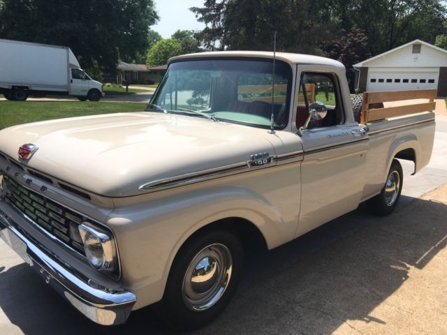 1963 Ford F-100 Style side short bed