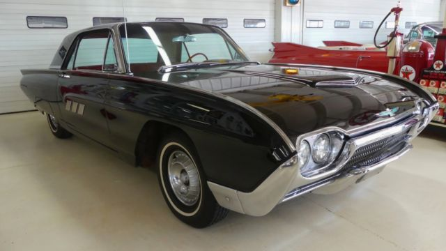 1963 Ford Thunderbird --