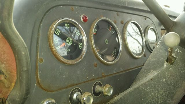 1963 International Loadstar 1800 345 V8 5 Spd Trans 2 Spd