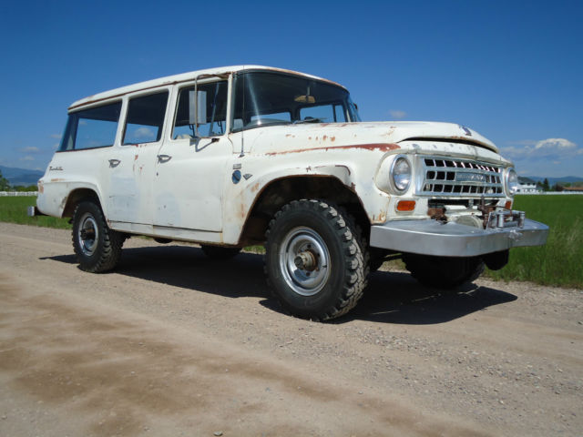 1963 International Harvester Travelall 4x4
