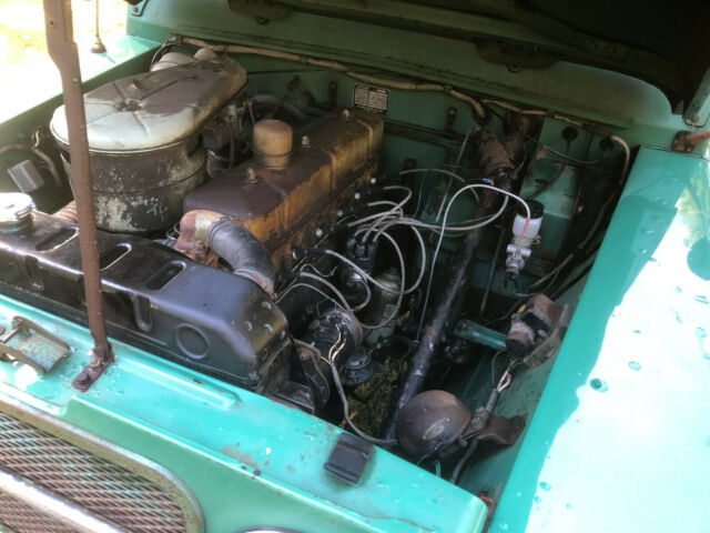 1963 Green Nissan Other SUV with Gray interior