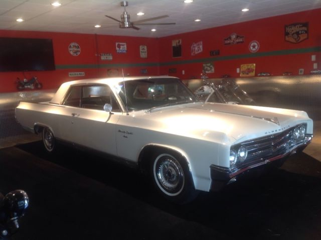 1963 Oldsmobile Ninety-Eight Sport coupe