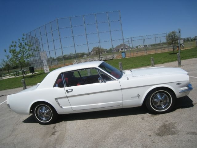 1965 Ford Mustang V8 w/ AC