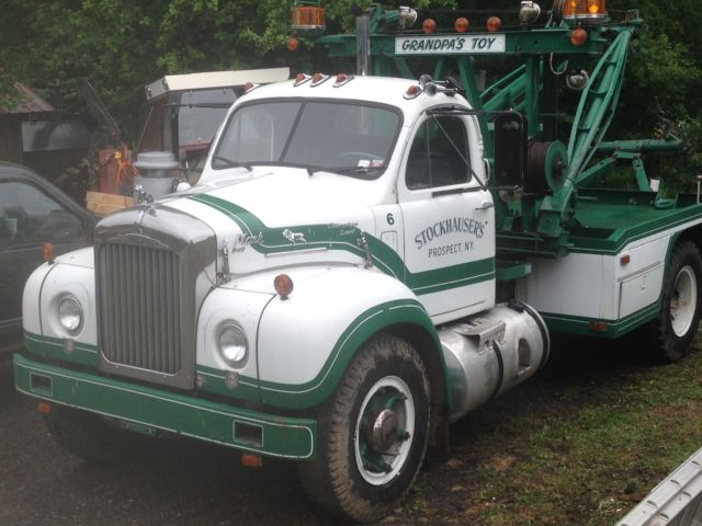 1964 b67t classic vintage old mack tow truck with holmes wrecker