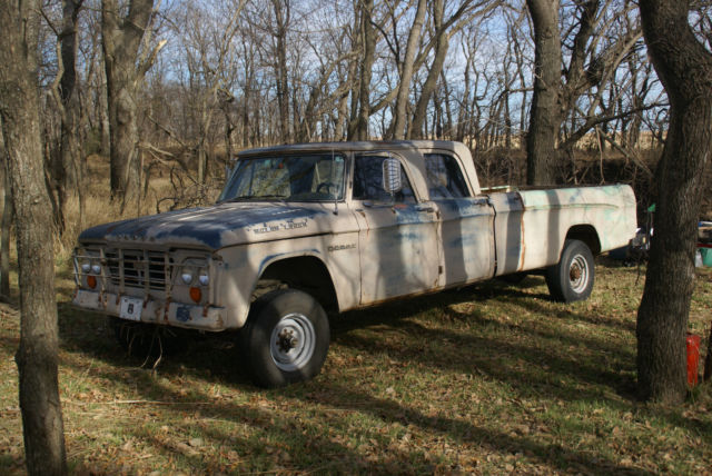 Old dodge crew cab