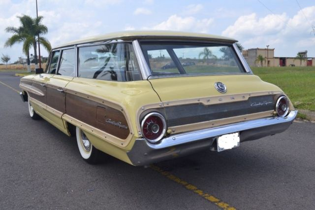 1964 Ford Galaxie country squire