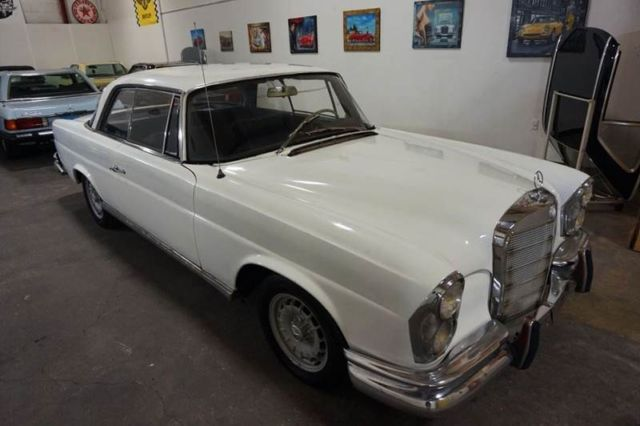1964 Mercedes-Benz 200-Series 220SEb W111