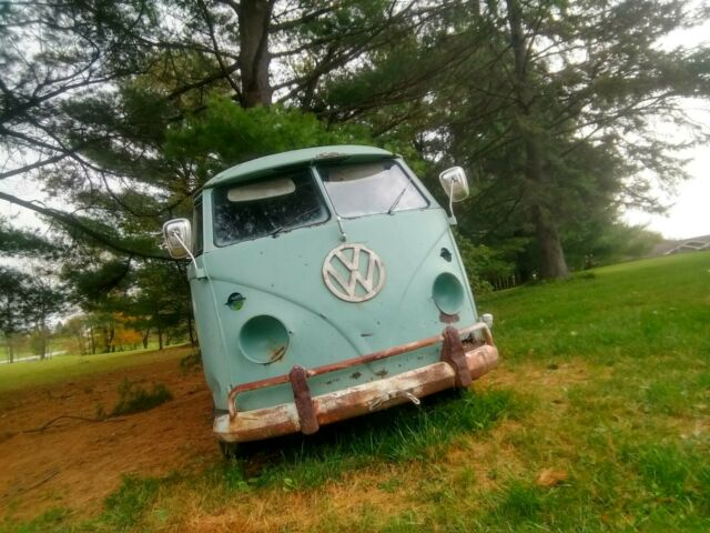 1964 Volkswagen bus split window