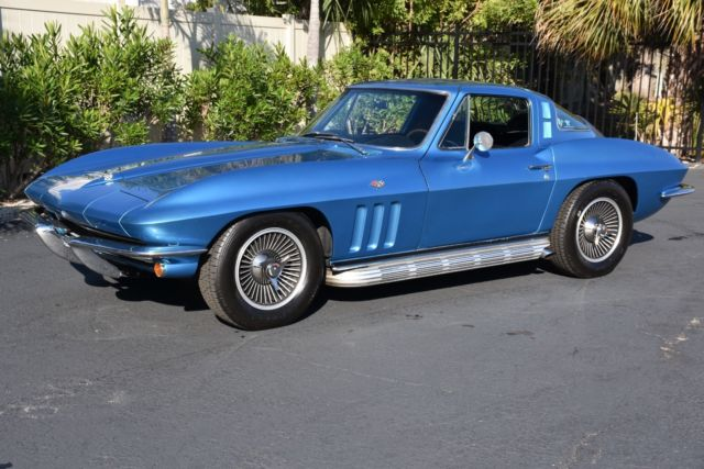 1965 Chevrolet Corvette Coupe 327CI 300HP 4 Speed Air Conditioning Power S