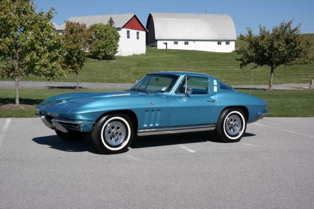 1965 Chevrolet Corvette Blue/White327/350hp 4speed
