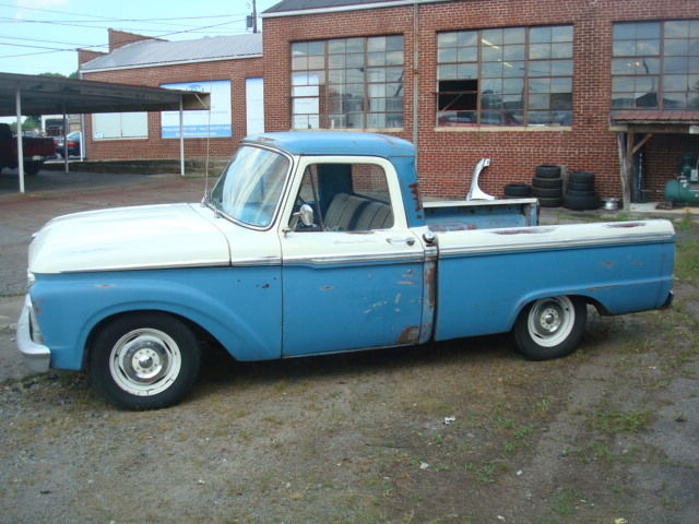 1965 Ford F-100 Style Side