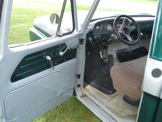 1965 FORD F100 ,SHORT BOX PICKUP,351 AT OD -CROWN VIC FRONT
