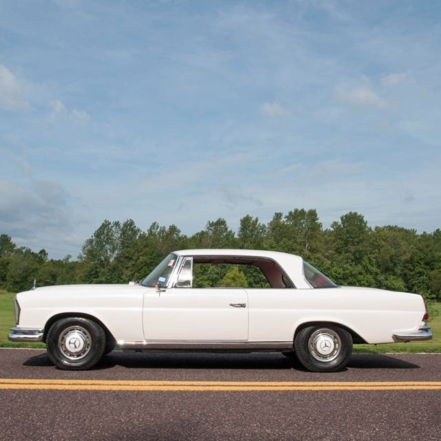 1965 Mercedes-Benz 200-Series SE