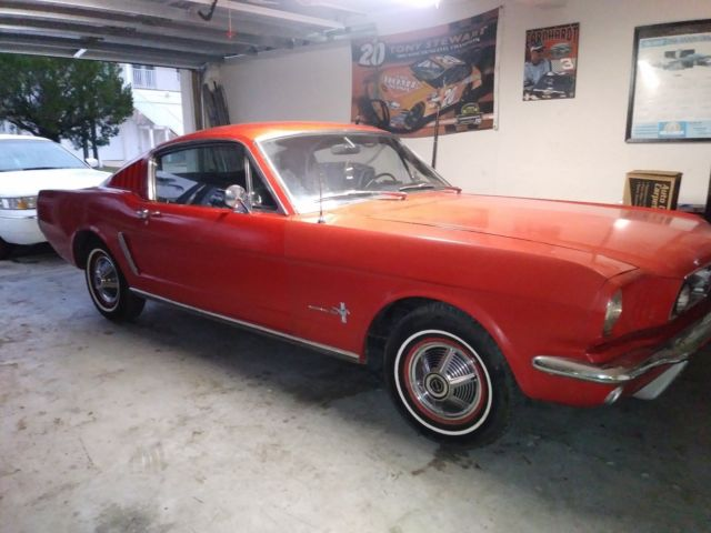 1965 Ford Mustang 2 dr fastback