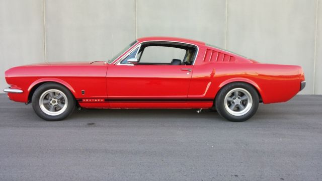 1965 Ford Mustang 2 Dr. Fastback