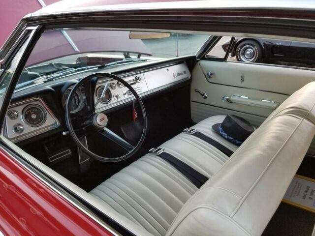 1965 Red Oldsmobile Jet Star 88 -NICE CLASSIC VINTAGE VEHICLE- Coupe with White interior