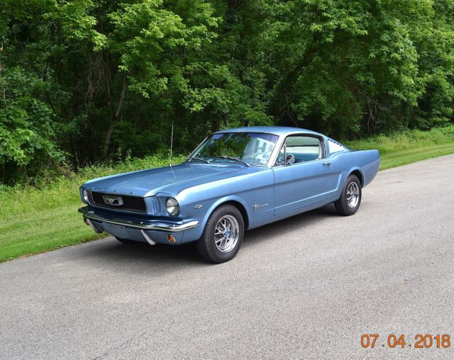 1966 Ford Mustang 289 AUTO FASTBACK
