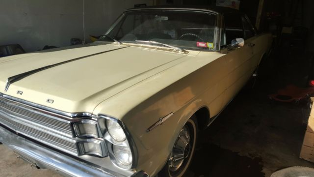 1966 Ford Galaxie XL