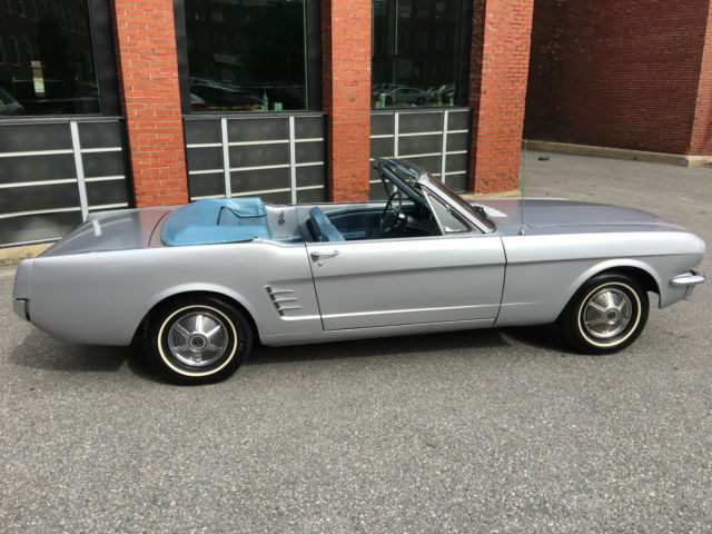 1966 Silver Ford Mustang Convertible with Silver / Teal interior
