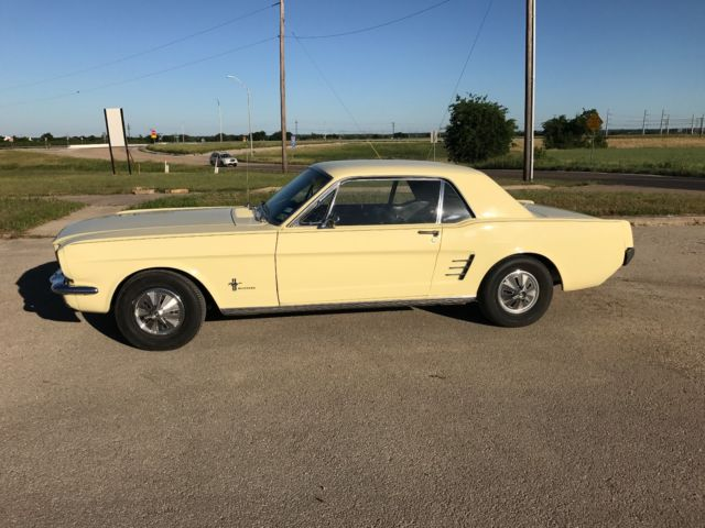 1966 Ford Mustang --