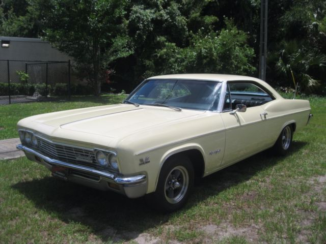 1966 Chevrolet Impala 2 dr Sport Coupe SS