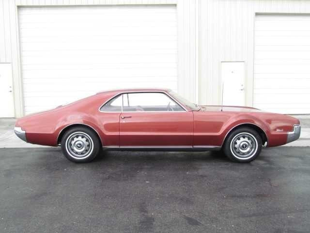 1966 Oldsmobile Toronado -Utah Showroom