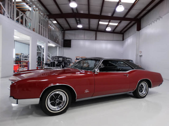 1967 Buick Riviera 45,990 ACTUAL MILES! RUNS AND DRIVES BEAUTIFULLY!