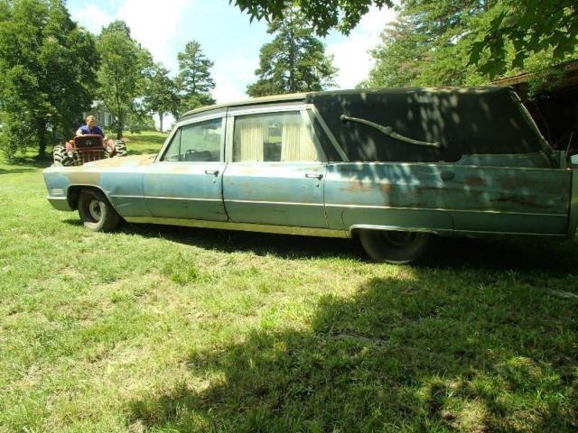 Cadillac Fleetwood Funeral Hearse Ambulance