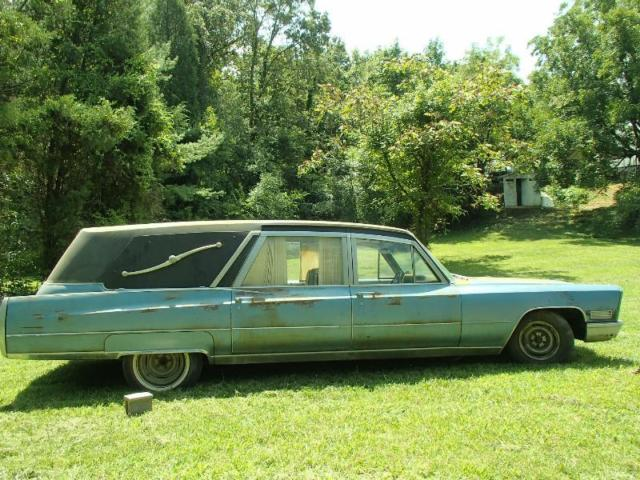 1967 Cadillac Fleetwood Hearse