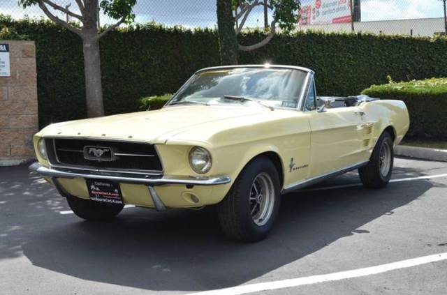 1967 Ford Mustang Deluxe Convertible