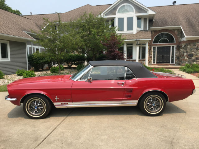 1967 ford mustang gt red convertible for sale photos technical specifications description. Black Bedroom Furniture Sets. Home Design Ideas