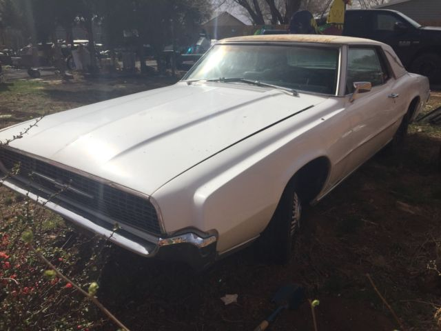 1967 Ford Thunderbird --