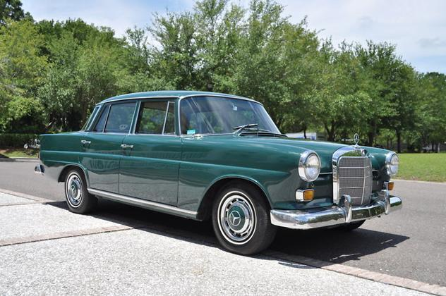 1967 mercedes benz 200 series w110 chassis 230 heckflosse