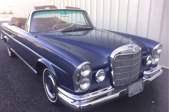 1967 Mercedes-Benz 200-Series --