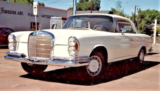 1967 Mercedes-Benz 200-Series