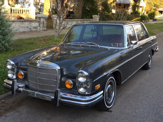 1967 Mercedes-Benz 300-Series 109.015 w. M189 Motor in Graphite Grey w.Red int.