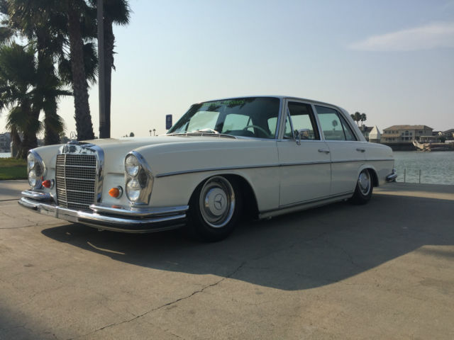 1967 Mercedes-Benz 200-Series 250s