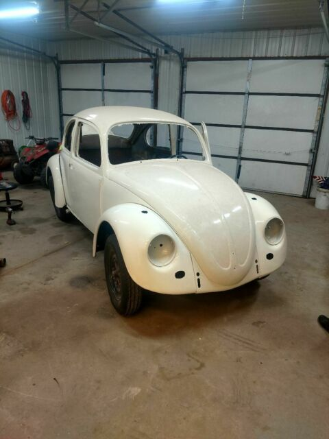 1968 White Volkswagen Beetle - Classic Coupe with Black interior