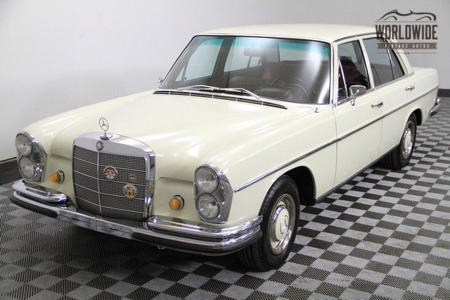 1967 Mercedes-Benz 200-Series Well-kept! Red leather interior! Elegance.