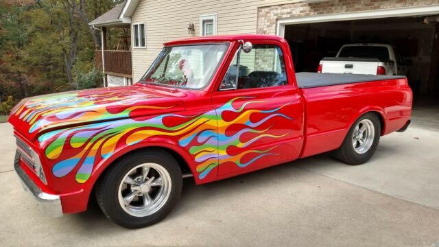 1968 custom Chevrolet C-10 short bed pick up with Black interior