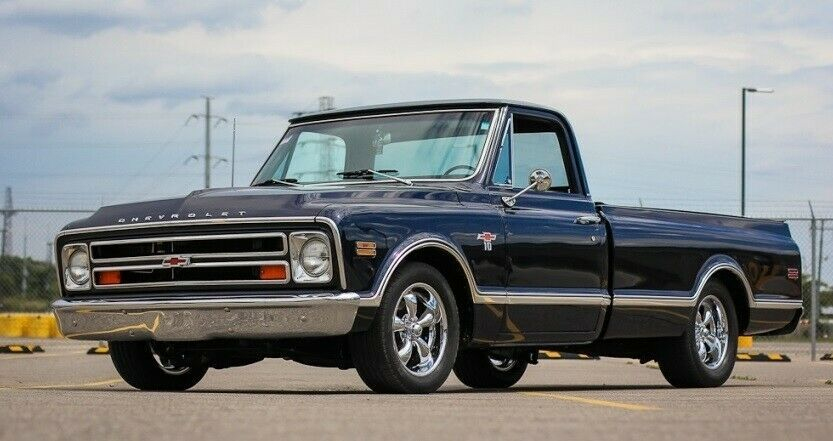 1968 Chevrolet C-10 Leather seating