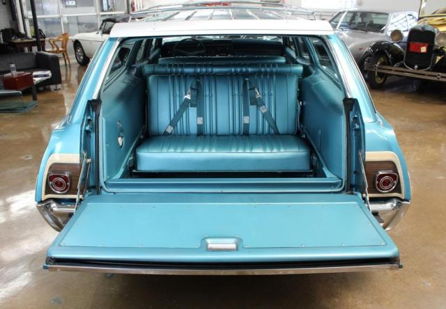 1968 Tripoli Turquoise Chevrolet Caprice Estate Wagon 20k, 396, One Owner with Turquoise interior