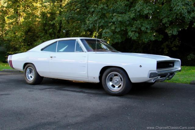 1968 Dodge Charger R/T. 440. 4-Speed. A/C. RESTORED. Excellent! VIDEO