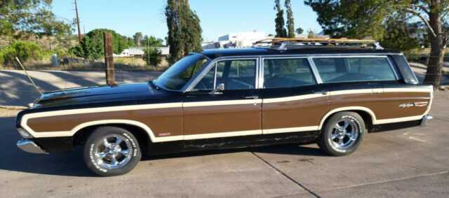 1968 Ford LTD Station Wagon