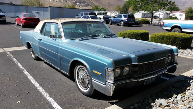 1968 Blue Lincoln Continental 2 Door Coupe U/K with Blue interior