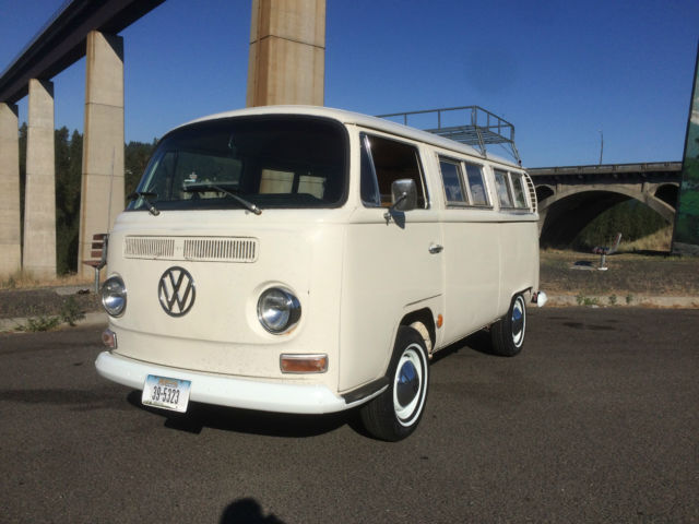 1968 Volkswagen Bus/Vanagon Day Camper