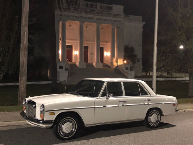 1968 Mercedes-Benz 200-Series 717 Papyrus White w. flawless Black interior