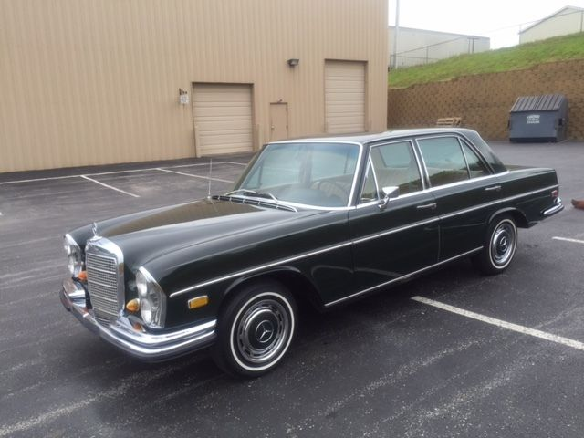 1968 Mercedes-Benz 200-Series 280S Four Door Sedan