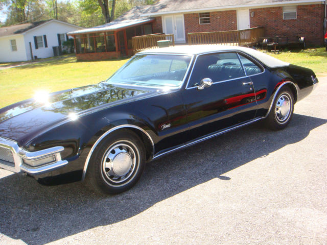 1968 Oldsmobile Toronado 2-Door