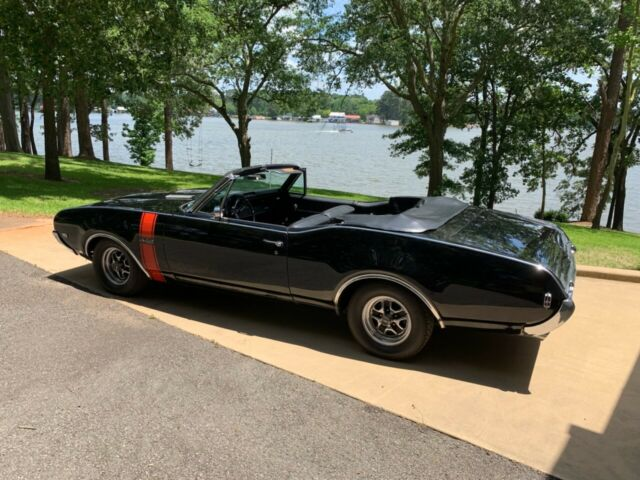 1968 Black Oldsmobile 442 Convertible with Black interior